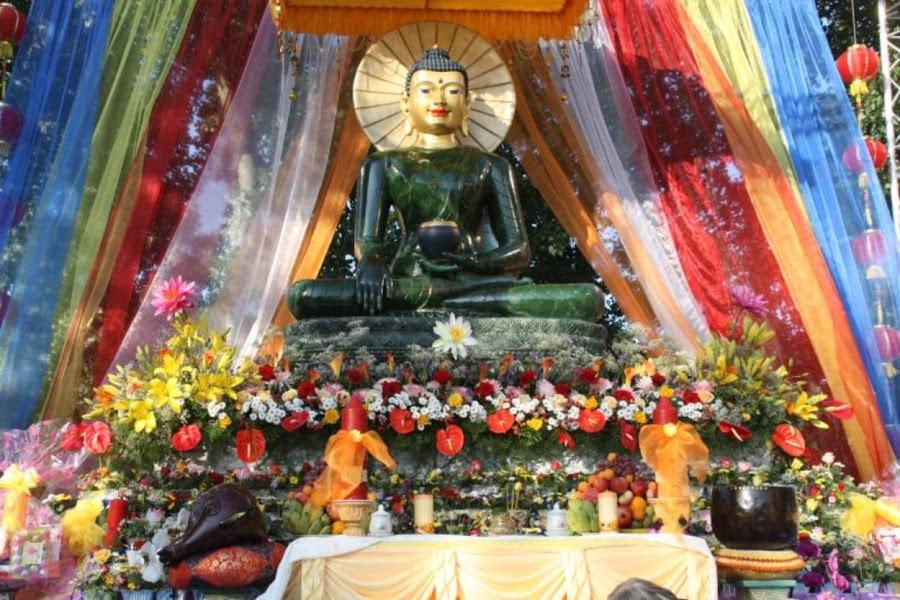 Le Khai Mac Phat Ngoc tai chua Vien Giac Duc Quoc 2011 (16)