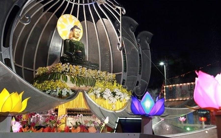 Phat Ngoc at Bat Nha Temple 2010 (3)