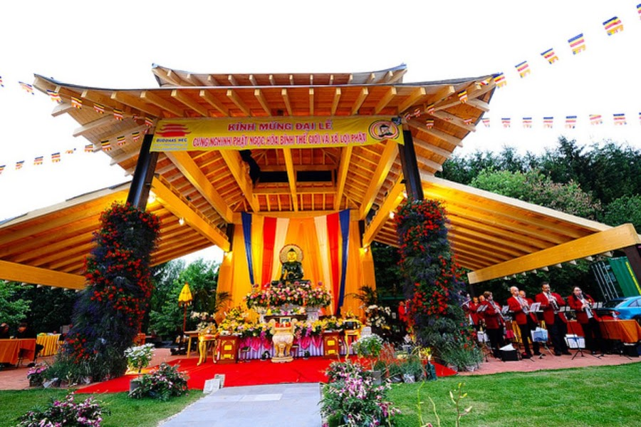 Phat Ngoc tai chua Phat Dao, Germany