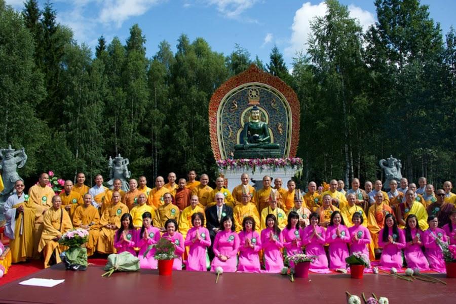 Phat Ngoc trien lam tai chua Khuong Viet Na Uy (26)
