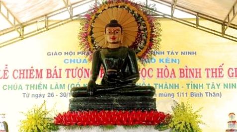 phat-ngoc-tai-chua-go-ken-tay-ninh-2016-9a-2