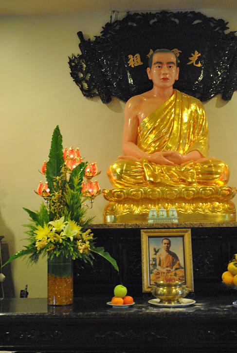 Hoa Ram Thang Muoi 2011 (10)