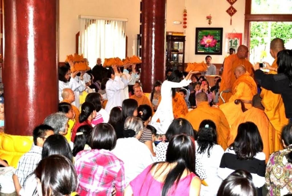 Le Vu Lan tai Tinh Xa Ngoc Son 2014 (17)