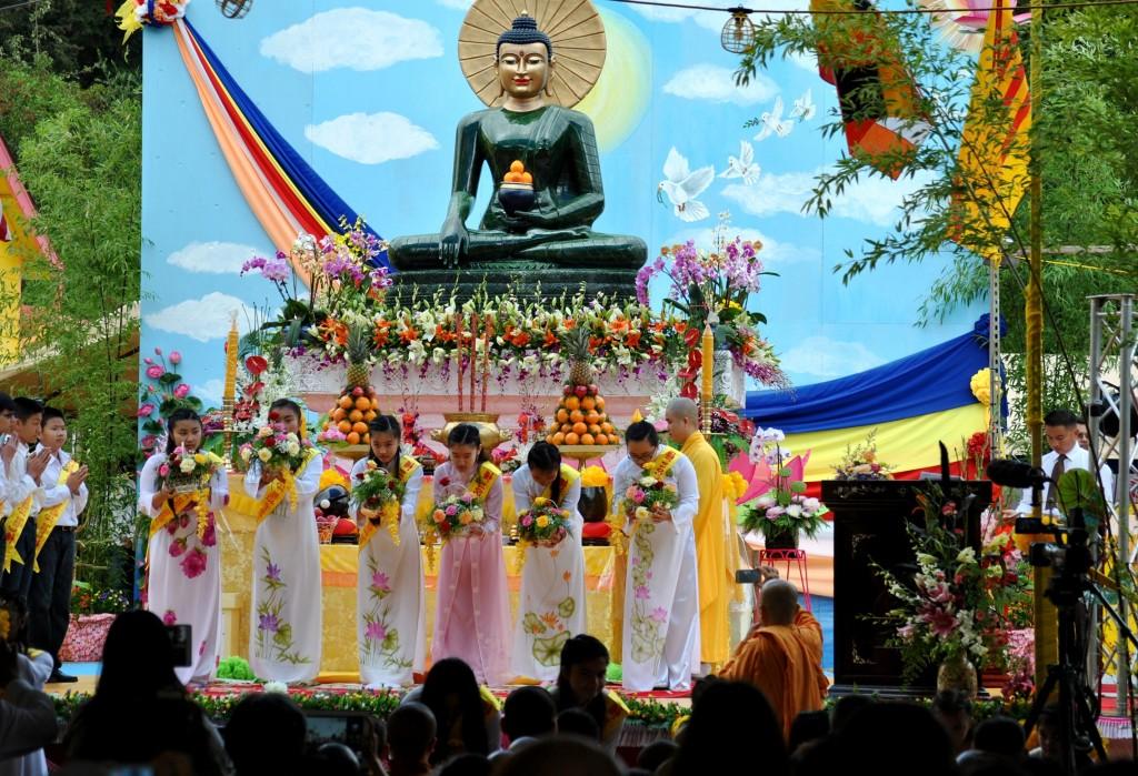 Ngay Khai Mac Phat Ngoc in OR 2014 (5)