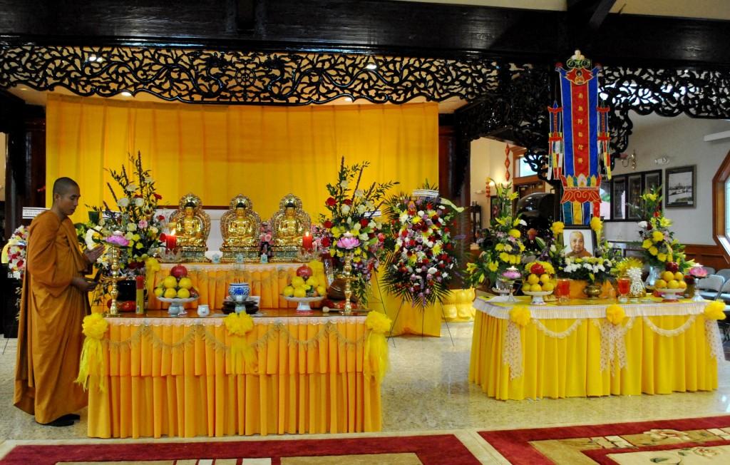 Le Cau Nguyen va Nhap Liem Ty Kheo Ni Thich Nu Lien Buu Nov 1 - 2014 (1)