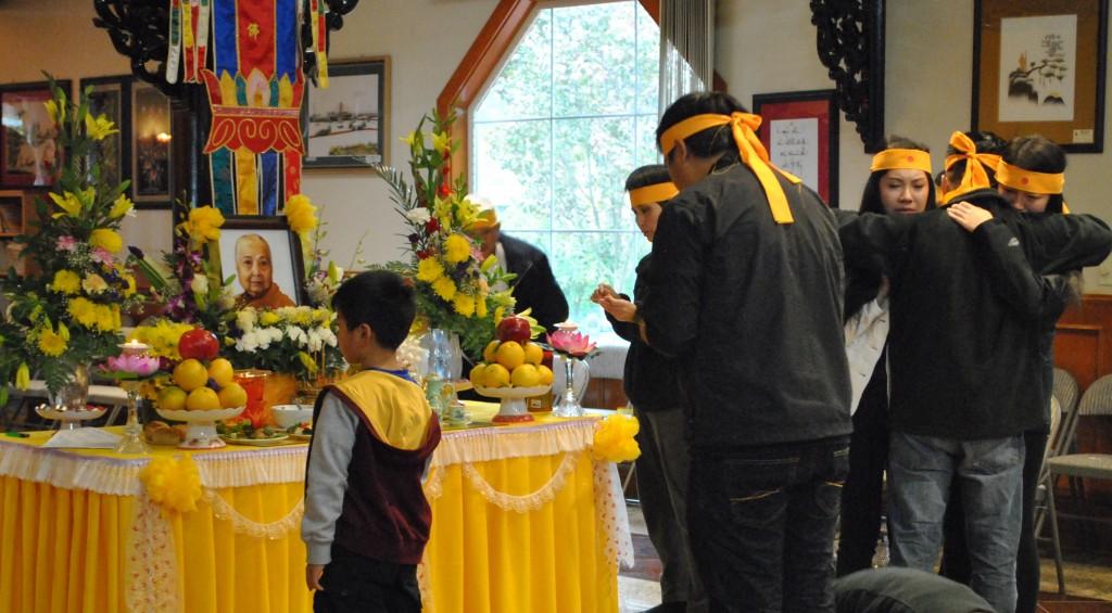 Le Cau Nguyen va Nhap Liem Ty Kheo Ni Thich Nu Lien Buu Nov 1 - 2014 (15)
